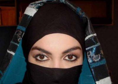 <b>انسة سعودية ابحث عن زوج قبيلي واقبل بزواج المسيار</b>