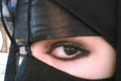 <b>مطلقة سعودية اربعينية مقيمة فى الرياض اريد إنسان صادق للزواج اقبل بزواج مسيار</b>
