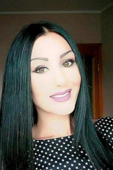<b>سوريه في بريطانيا لاجئة مسلمة تعارف بقصد الزواج</b>