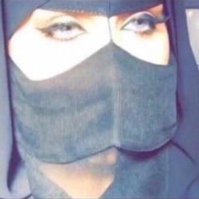 <b>مطلقه سعوديه مقيمة في خميس مشيط ابحث عن زوج  وسيم  مناسب بالعمر علي خلق</b>