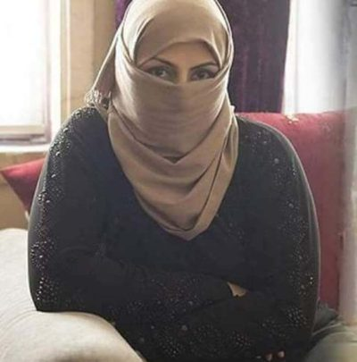لزواج مسيار سورية لاجئه الى امريكا نيويورك ابحث عن شاب عربي حنون رياضي لبق يحب السفر