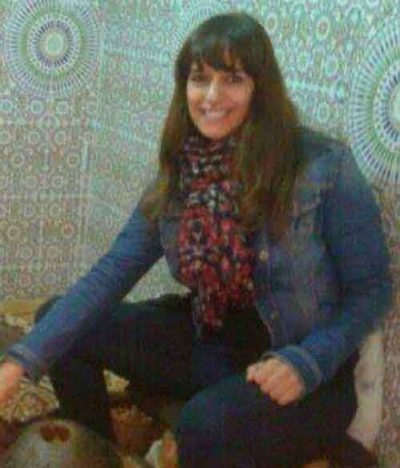 <b>انسة من اصول مغربية اقيم فى اسبانيا ابحث عن زوج مناسب</b>