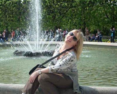 <b>سيدة اعمال مهاجرة الى كندا ابحث عن زوج متفتح يحب الحياة</b>
