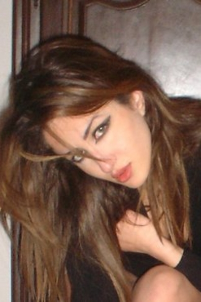 <b>انسة سورية فى فرنسا للزواج ابحث عن شاب عربي ناضج طموح مسلم</b>